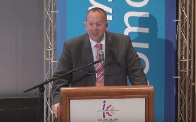 Jeremy Newmark, président du Mouvement juif travailliste. (Crédit : capture d'écran YouTube)