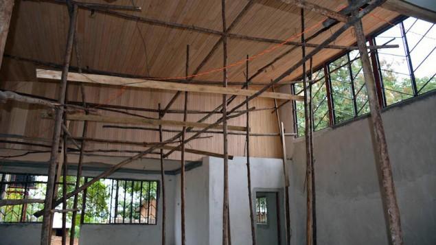 L'intérieur d'une synagogue en construction à Nabagoye, en Ouganda (autorisation de Be'chol Lashon, via JTA).