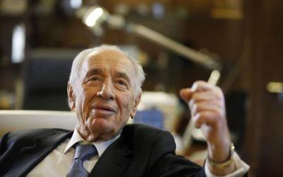 Shimon Peres à la résidence présidentielle de Jérusalem, le 10 avril 2013. (Crédit : Lior Mizrahi/Getty Images)