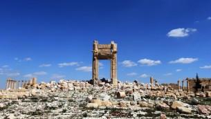 """Les ruines de la """"Cella"""" du Temple de Bel dans la ville syrienne antique de Palmyre, qui a été détruit par les jihadistes de l'Etat islamique. Photographie prise le 31 mars 2016. (Crédit : Joseph Eid/AFP)"""