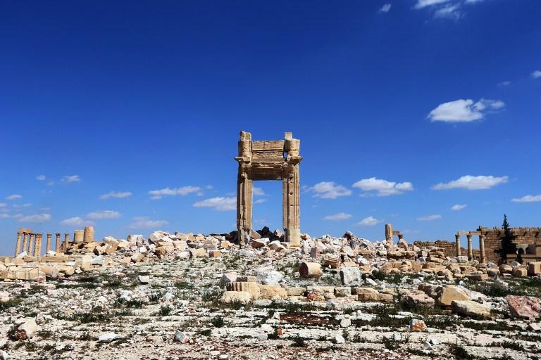 """Les ruines de la """"Cella"""" du Temple de Bel dans la ville syrienne antique de Palmyre, qui a été détruit par les jihadistes de l'Etat islamique. Photographie prise le 31 mars 2016. (Crédit : AFP/Joseph Eid)"""