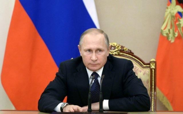 Le président russe Vladimir Poutine au Kremlin, à Moscou, le 26 septembre 2016. (Crédit : Aleksey Nikolsky/Sputnik/AFP)