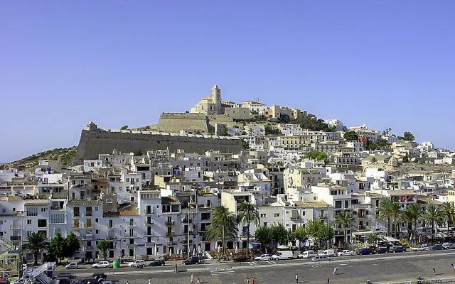 Vieille ville de la ville d'Ibiza sur l'île d'Ibiza, Esapgne  (Crédit :  Forbfruit / wikipedia.orgCC-BY-SA-3.0)