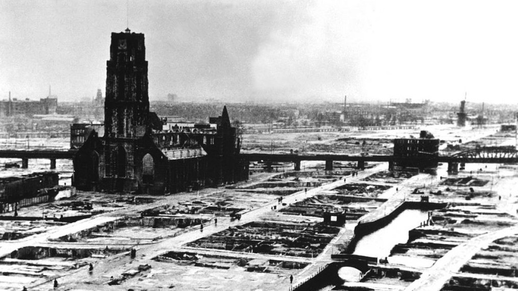 Rotterdam après le blitz allemand (Crédit : Domaine Public / Wikimedia Commons)