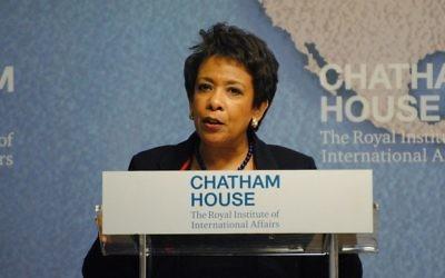 Loretta Lynch, procureure générale des Etats-Unis, le 9 décembre 2015. (Crédit : Chatham House/CC BY 2.0/WikiCommons)