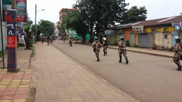Troupes du gouvernement à Bahir Dar, en Ethiopie, le 7 août 2016. (Crédit : Micha Odenheimer)