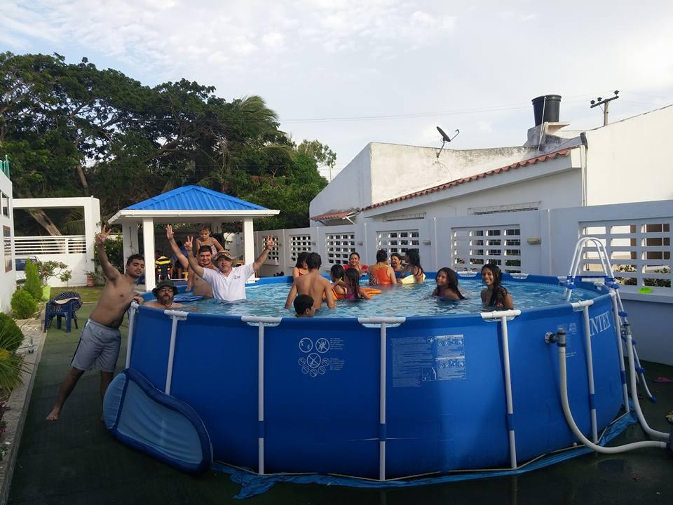 Javura Nahariya de Barranquilla dans la piscine. (Crédit : Autorisation)