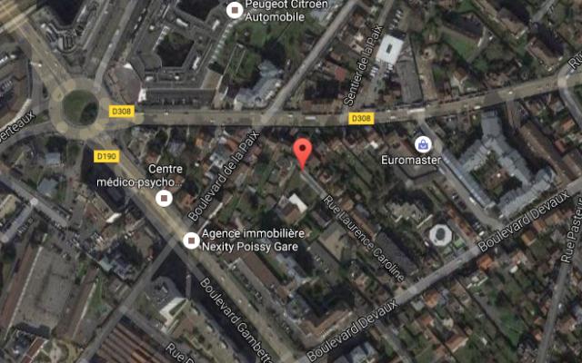 Vue satellite de la rue Laurence-Caroline à Poissy (Crédit : Google Maps)