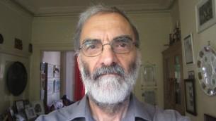 Martin Sugarman, archiviste et historien britannique, qui s'est battu pour la reconnaissance des 23 guerriers du Palmach, disparus en mer lors d'une mission contre le régime de Vichy en 1941 (Crédit : autorisation)