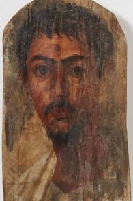 Un portrait du Fayoum de l'époque flavienne d'une jeune homme, a été restitué par l'université de Zurich aux héritiers d'un éditeur juif allemand en avril 2016. (Crédits : Frank Tomio/Université de Zurich)