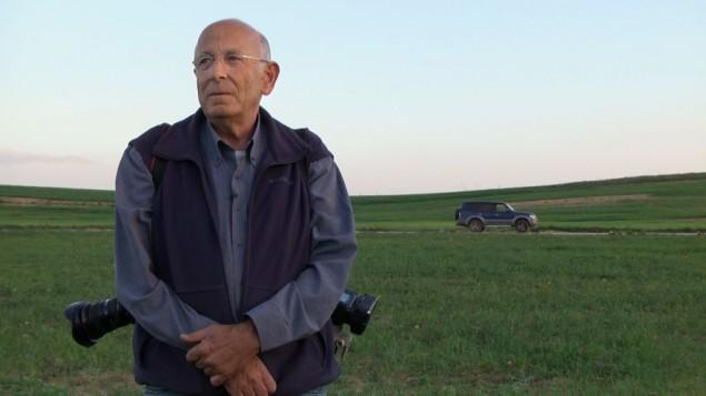 """Extrait du documentaire """"Behind the Lens"""", de Tal Avitan, projeté dans les cinémathèques du pays pendant Souccot 2016. (Crédit : Tal Avitan)"""
