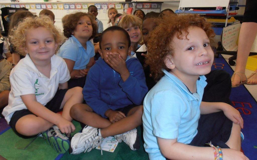 Les élèves de l'école hébraïque de Harlem sont 40% à être blancs, 40% à être noirs et 20% à être latinos. (Crédit : Julie Wiener/JTA)