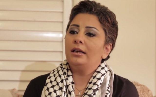 Sandra Solomon, Palestinienne convertie au christianisme et au soutien pour Israël. (Crédit : capture d'écran)