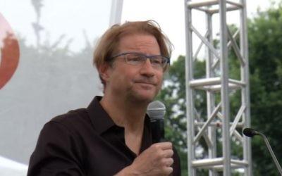 Andres Roemer (Crédit : capture d'écran YouTube)