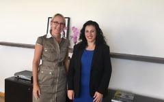 Hélène Le Gal (g) et Nurit Koren (Crédit : Ambassade de France en Israël
