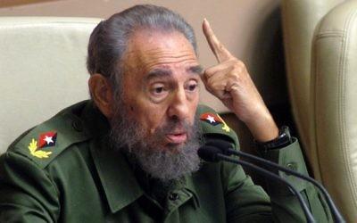 Le président cubain Fidel Castro devant la 6e session du parlement cubain à La Havane, le 22 décembre 2005. (Crédit : Antonio Levi/AFP)