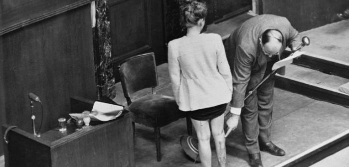 """L'un des 85 témoins du """"procès des médecins"""" à Nuremberg, en Allemagne, en 1946. (Crédit : domaine public)"""