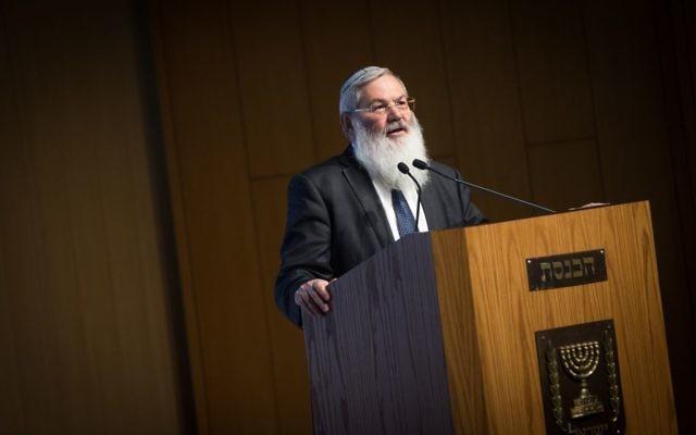 Le vice ministre de la Défense Eli Ben Dahan pendant une conférence sur le renforcement de la relation entre le peuple juif et le mont du temple, à la Knesset, le 7 novembre 2016. (Crédit : Miriam Alster/Flash90)