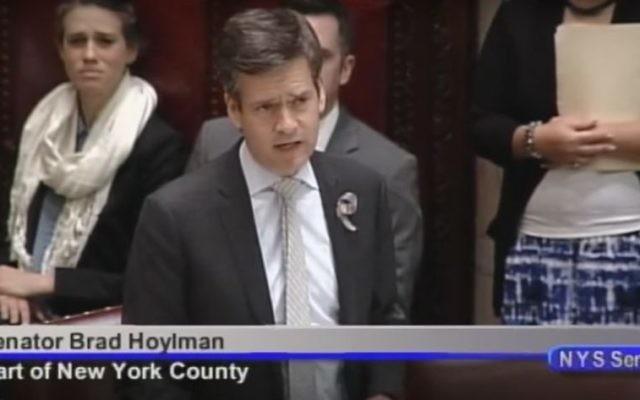 Brad Hoylman, sénateur de l'état de New York. (Crédit : capture d'écran YouTube/NYSenate)