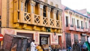 Un vue de la petite synagogue indéfinissable à proximité de la mellah de Marrakech. Une famille juive est encore propriétaire de la synagogue mais elle 'nest plus ouverte au public. (Crédit : Michal Shmulovich)