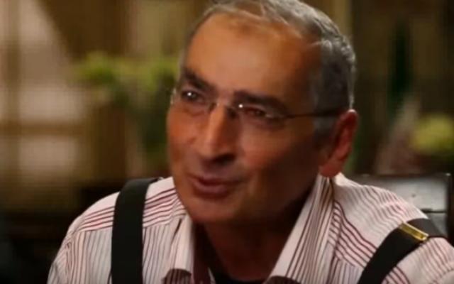 Le professeur Sadegh Zibakalam lors d'une interview avec Hossein Dehbashi, le 13 novembre 2016. (Capture d'écran : YouTube)
