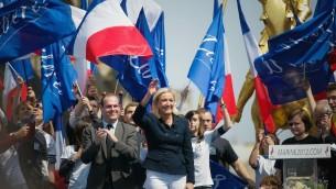 Marine Le Pen, présidente du parti d'extrême-droite français, lors d'un rassemblement à Paris en mai 2011.   (Crédit : Franck Prevel/Getty Images)