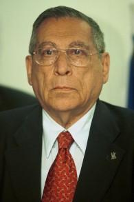 Portrait de Rehavam Zeevi, alors ministre du Tourisme, le 11 mars 2001. (Crédit : Flash90)
