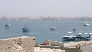 Vue d'Alexandrie sur la côte méditerranéenne égyptienne (Crédits : Vyacheslav Argenberg/Flickr)