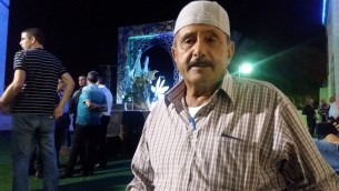 Sarsour Mustafa, un résident de Kafr Kassem âgé de 72 ans. (Crédits : Dov Lieber/Times of Israel)