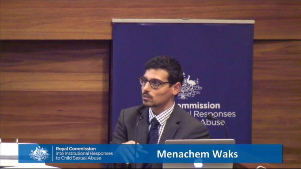 Manny Waks témoigne devant la Commission royale sur les réponses institutionnelles aux agressions sexuelles contre les enfants. (Crédit : autorisation de Manny Waks)