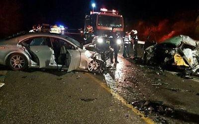 Scène d'un accident de voiture mortel en Basse Galilée, le 4 décembre 2016. (Crédit : Magen David Adom)