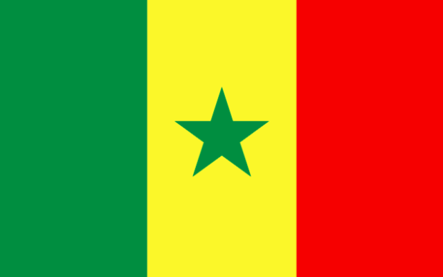 Drapeau du Sénégal (Crédit : wikimedia commons)