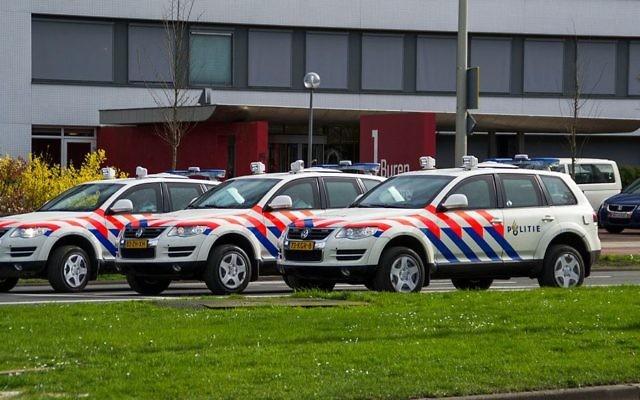 Voitures de la police hollandaise. Illustration. (Crédit : Wouterjan Stikkel/CC BY-SA/Wikimedia)