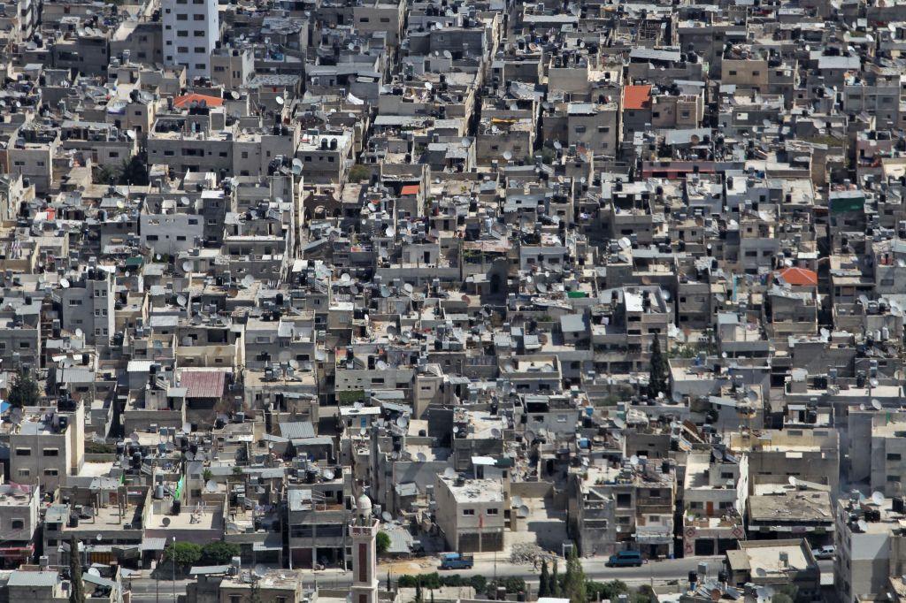 Une vision du camp de réfugiés bondé de Balata à Naplouse. Balata est le plus grand camp de réfugiés en Cisjordanie et accueille environ 30 000 personnes. (Crédit : Nati Shohat/FLASH90)