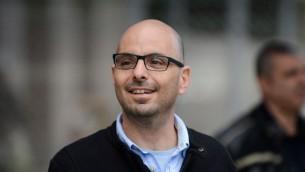 Eldad Yaniv, militant travailliste, à Tel Aviv, le 8 février 2015. (Crédit : Ben Kelmer/Flash90)