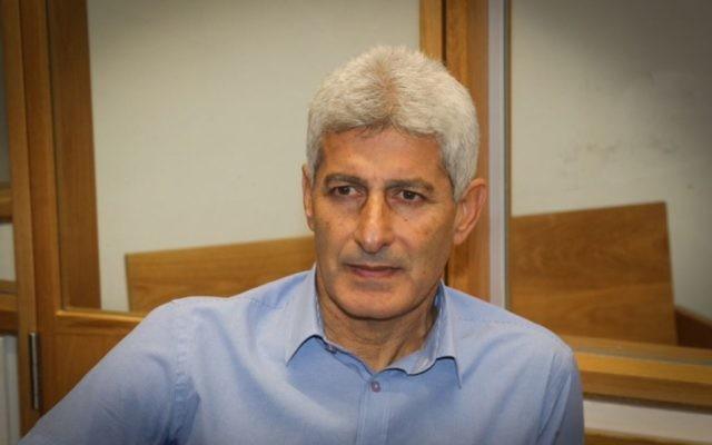 L'ancien maire d'Or Yehuda, David Yosef, arrivant au tribunal de Tel Aviv, le 5 décembre 2016 (Crédit : Flash90)