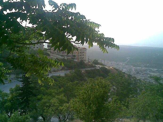 La ville syrienne d'Idleb en 2009, avant le début de la guerre civile syrienne. (Crédit : CC BY-SA 3.0/WikiCommons)