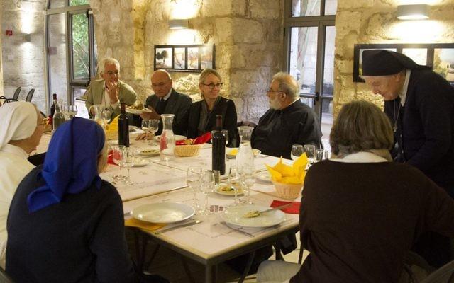 L'ambassadrice de France en Israël lors d'une rencontre avec les représentants des communautés religieuses françaises à Nazareth, en Israël, le 16 décembre 2016 (Crédit : Autorisation Ambassade de France)