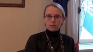 Hélène Le Gal, ambassadrice française en Israël. (Crédit : capture d'écran YouTube)