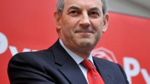 L'ancien leader du parti Travailliste et maire d'Amsterdam, Job Cohen. (Crédit : Wikimedia Commons/Joss van Zetten)