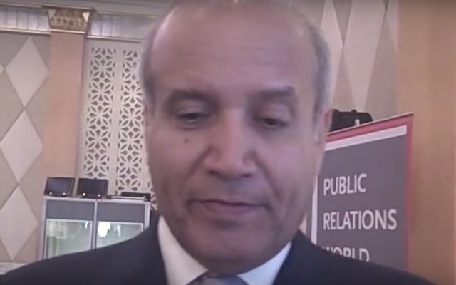 Abdulrahman Al-Rashed, important journaliste saoudien. (Crédit : capture d'écran YouTube)