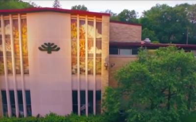 LA synagogue Beth El Jacob à Des Moines, dans l'Iowa. Crédit : capture d'écran YouTube)