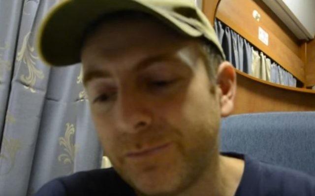 Le blogueur israélo-ukrainien Alexander Lapshin, en septembre 2014. (Crédit : capture d'écran YouTube)