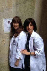Fraidy Liberow, bénévole et Ruchie Freier, à droite fondatrice du service d'urgence Ezras Nashim (Crédit : autorisation)