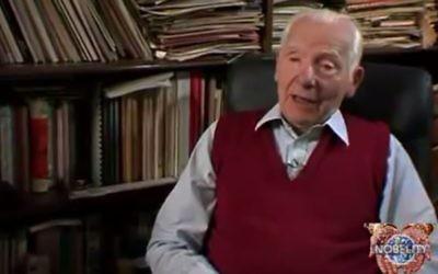 Joseph Rotblat (Crédit : Capture d'écran Youtube)