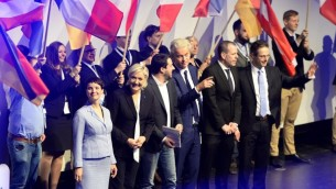 Frauke Petry de l'Alternative anti-immigration pour l'Allemagne (AFD), Marine Le Pen, du FN, Matteo Salvini de la Ligue du Nord italienne et Geert Wilders de l'extrême droite néerlandaise, à Koblenz, en Allemagne, le 21 janvier 2017. (Crédit : Roberto Pfeil/AFP)