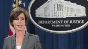 Sally Yates pendant une conférence de presse au département américain de la Justice, à Washington, le 28 juin 2016. (Crédit : Saul Loeb/AFP)