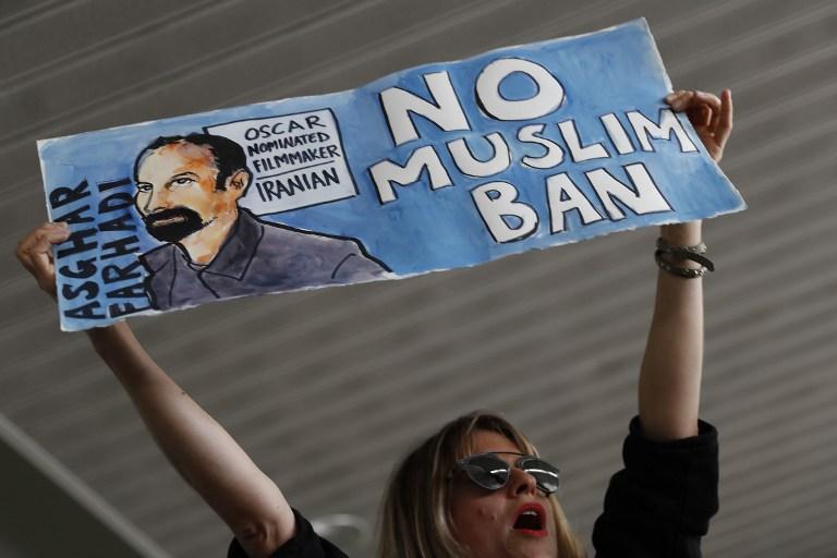 Manifestation à l'aéroport international de San Francisco, le 28 janvier 2017. (Crédit : Stephen Lam/Getty Images/AFP)