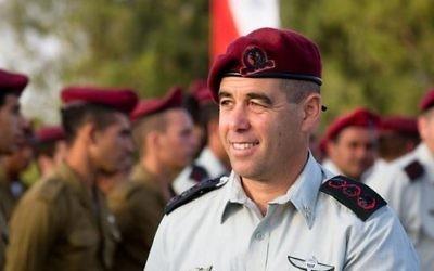 Le chef des Brigades parachutistes, le colonel Nimrod Aloni. (Crédit : Service de communication de l'armée israélienne)