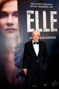 """Paul Verhoeven, réalisateur de """"Elle"""", à la première du film à Amsterdam, en 2016.(Crédit : Indie NL — Travail personnel/CC BY-SA 4.0/WikiCommons)"""
